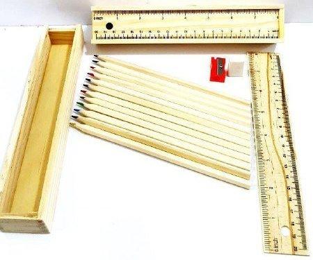جامدادی چوبی به همراه مدادرنگی و تراش و پاکن